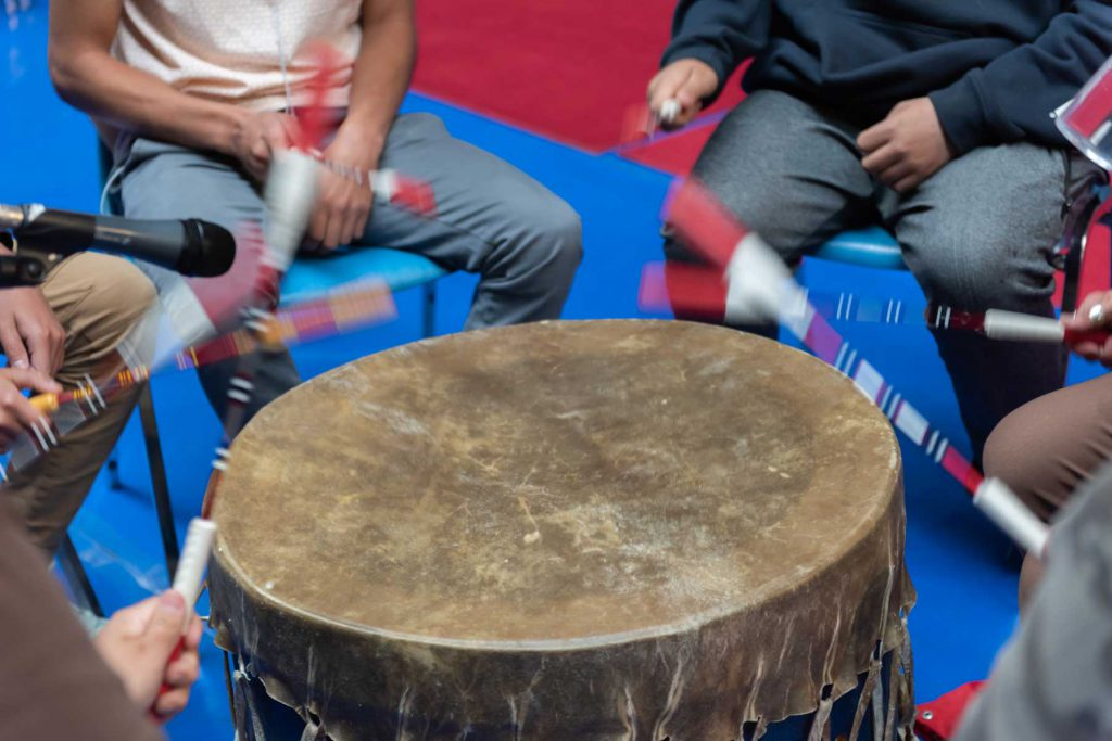 An image of a Ktunxa drum group.